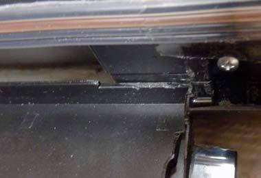 iP2700 トレイ設置 角を削る